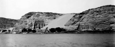 מקדשי אבו סימבל לפני בניית סכר אסואן הגדול